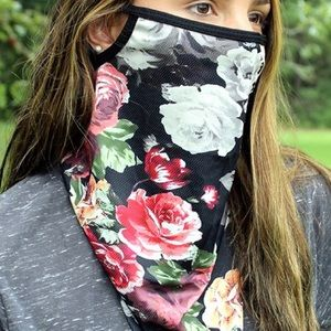 Accessories - New! Rose neck gaiter w/ear loops